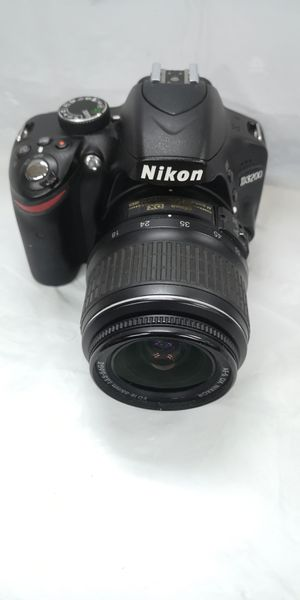 Nikon D3200 24.2MP Digital SLR Camera w/ AF-S 18-55mm lenses 12121 shutter counts for Sale in Clearwater, FL
