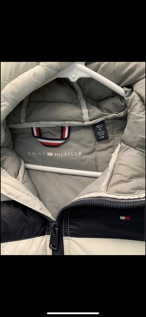 Tommy Hilfiger jacket lightweight for Sale in MONTGOMRY VLG, MD