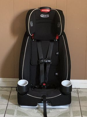 PRACTICALLY NEW GRACO CONVERTIBLE CAR SEAT for Sale in Riverside, CA