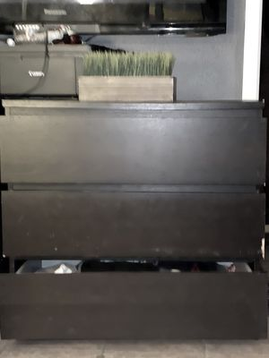 Free black dresser for Sale in Daly City, CA