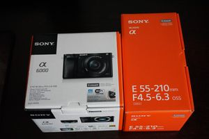 Sony a6000 silver with 2 lens NEW for Sale in Trenton, NJ