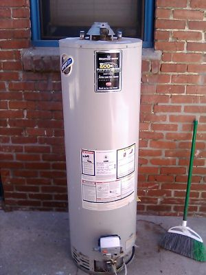 Gas water heater for Sale in Long Beach, CA