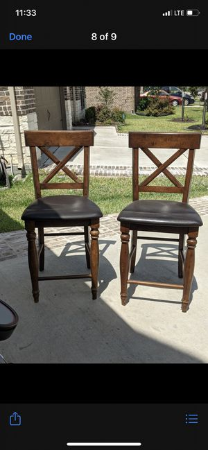 Set of six dinning room chairs. Garage kept but still in great condition!! for Sale in Houston, TX