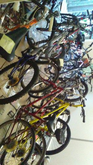 Bike clearance somin for er-body! for Sale in Lombard, IL