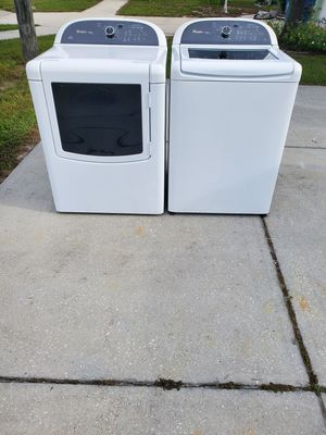 Free delivery!!Matching whirlpool washer and dryer set for Sale in Spring Hill, FL