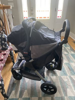 Britax travel system stroller and car seat and base. Non smoking home. for Sale in Peletier, NC