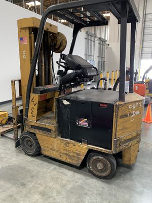 Used Caterpillar 48 volt forklift for Sale in Santa Fe Springs, CA