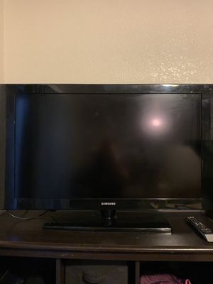 """Samsung 40"""" LCD TV for Sale in Farmers Branch, TX"""