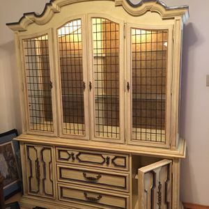 French Styled China Cabinet for Sale in Arlington, TX