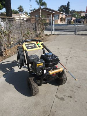 Dewalt Pressure washer for Sale in Bell Gardens, CA