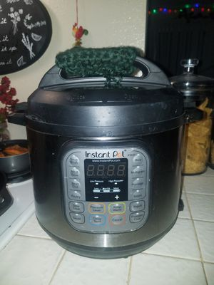 Instant Pot Duo 6 quart for Sale in San Marcos, CA