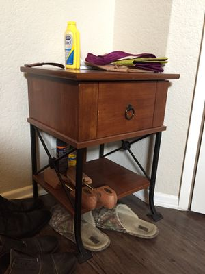 Side table, nightstand for Sale in Los Angeles, CA