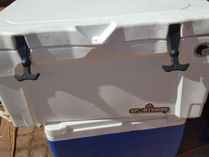 Igloo sportsman 55quart cooler for Sale in Peoria, AZ