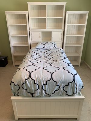 Pottery Barn Beadboard storage twin bedroom set for Sale in Issaquah, WA