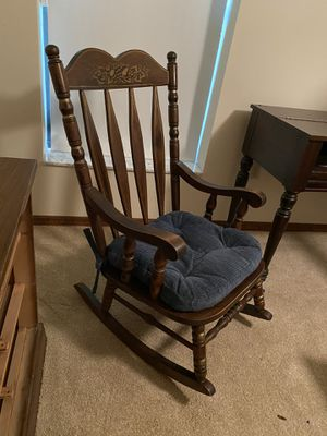 Wooden Rocking Chair for Sale in Orlando, FL