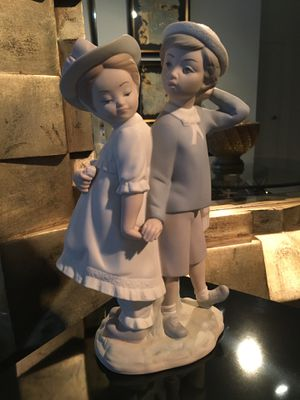 Lladro Statue - First Crush for Sale in Fairfield, NJ