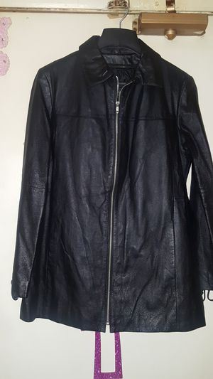 FUR AND LEATHER MIDNIGHT VELVET SIZE LARGE GENUINE LEATHER JACKET/COAT ZIP OUT LINER AND FUR VEST INCLUDED GREAT QUALITY PEBBLED LEATHER for Sale in Chicago Heights, IL