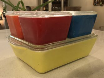 Vintage Pyrex Refrigerator Set for Sale in Woodinville,  WA