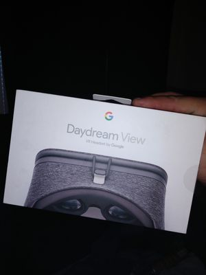 Google daydream VR headset for Sale in Madera, CA