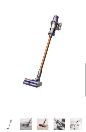 Dyson Cyclone V10 Absolute Cordless Stick Vacuum for Sale in Cypress, TX