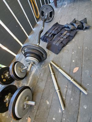 Reebok training weights, 2 sets of dumbbells, curl bar and ankle weights for Sale in Anaheim, CA