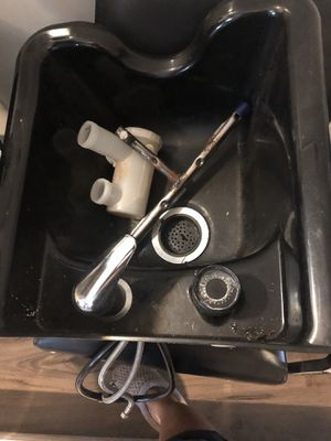 Shampoo bowl, hair trap, and Wall mount for Sale in Lithonia, GA