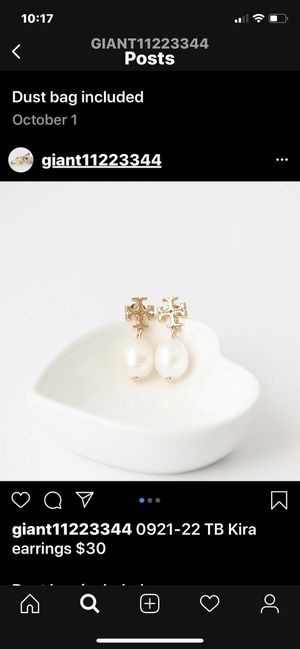 Tory Burch pearl earring for Sale in Los Angeles, CA