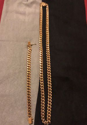 12 mm chain an braclet 12mm set stainless gold plated good heavy for Sale in Fresno, CA