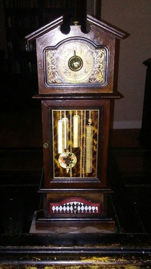 Alice in wonderland clock jewelry box for Sale in Duncanville, TX