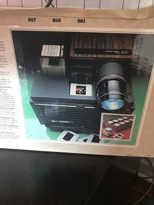 bell & howell slide cube projector for Sale in Chicago, IL