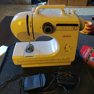 Sewing Machine for Sale in Womelsdorf, PA