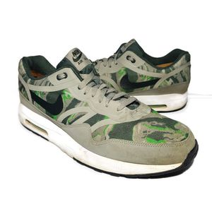 Nike Air Max 1 Premium Tape Mens Shoes Green Camo 599514-030 Size 13 Airmax for Sale in West Columbia, SC