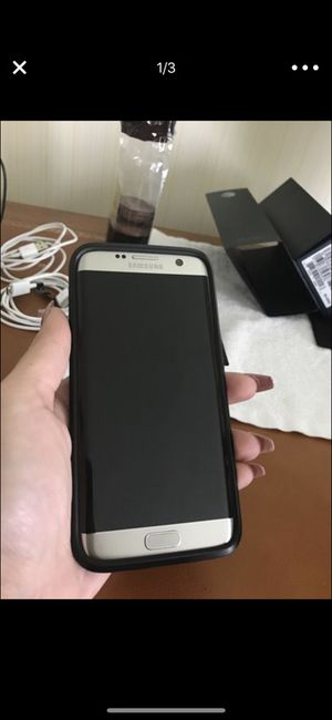 Samsung s7 with phone case for Sale in Salt Lake City, UT