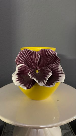 Cute bright yellow vase or makeup brush holder for Sale in Anaheim, CA