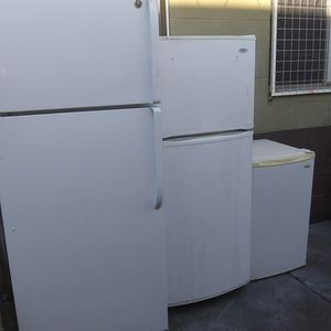 "Mini Fridge. 21""inches wide by. 33""inches. HEIGHT... $55... for Sale in Los Angeles, CA"