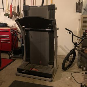 Pending Pick Up Free Working Treadmill for Sale in Everett, WA