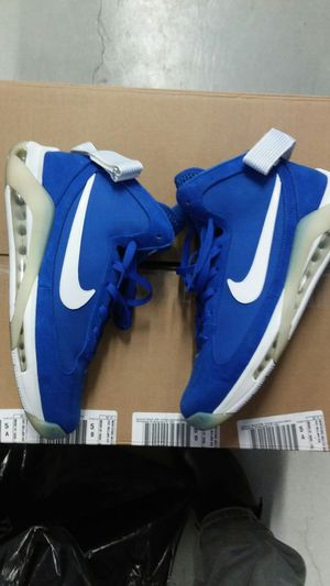 Used sz 11 nike basketball shoe for Sale in Bronx, NY