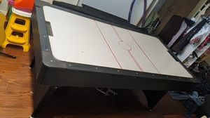 E and h plastics air hockey table for Sale in Overland, MO