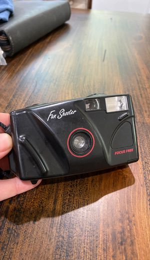 Fun Shooter Focus Free 35mm Film Camera for Sale in Whittier, CA