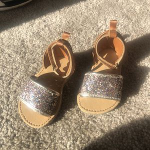 Baby Girl Sandals Size 4 for Sale in Moreno Valley, CA