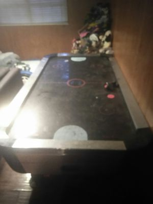 Air hockey table for Sale in Crystal City, MO
