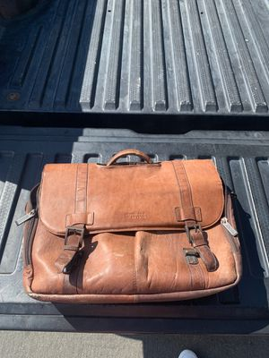 Kenneth Cole Reaction Messenger Bag for Sale in San Diego, CA