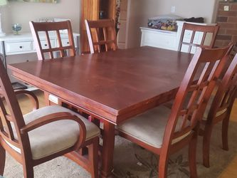 TABLE W CHAIRS for Sale in Marysville,  WA