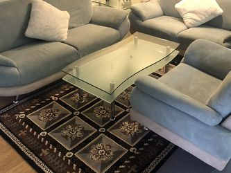 High Quality Living Room Couch & Coffe Tables Set + Rugs for Sale in Des Plaines,  IL
