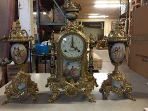 Antiques French clock 1960 (900$) for Sale in San Lorenzo, CA