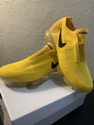 Nike VAPORMAX running for Sale in North Lauderdale, FL