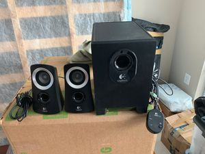 LOGITECH COMPUTER SPEAKERS WITH SUBWOOFER (excellent) for Sale in Herndon, VA