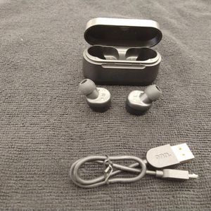 Onn Wireless Earbuds for Sale in New Britain, CT