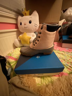 Penguin Snow Boots! girl size 6! NEW! for Sale in Alameda, CA