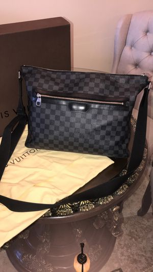 Louis Vuitton Crossbody for Sale in Commerce Charter Township, MI